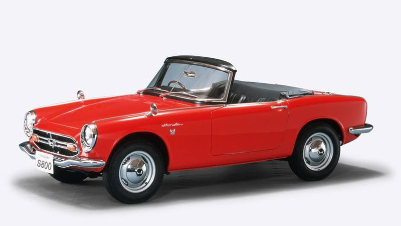 En 1963, Soichiro decidió fabricar su primer coche.