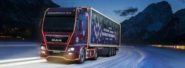 El camión navideño de MAN ilumina la mirada de los más pequeños