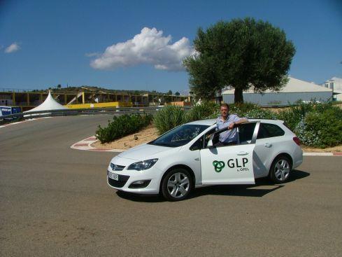 Climent participa con un Opel Astra GLP en el I Eco Rally de la Comunidad Valenciana