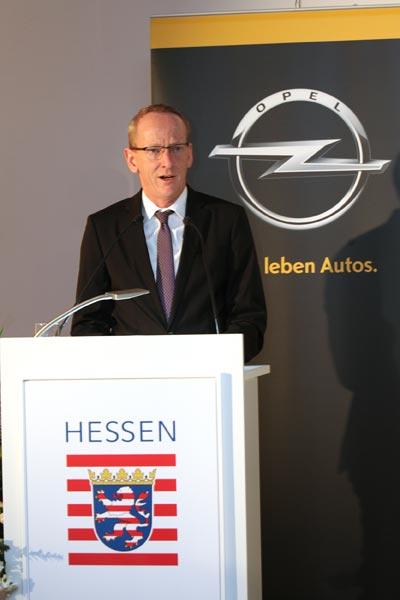 El consejero delegado del Grupo Opel propone mantener un debate abierto sobre la futura normativa de CO2