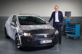 Karl-Thomas Neumann, CEO del Grupo Opel, anuncia todas las novedades de la nueva generación Opel Astra