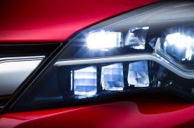 La nueva generación del Opel Astra con iluminación LED matricial IntelliLux