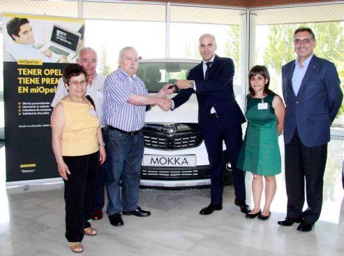 myOpel.es sigue creciendo y entrega dos nuevos Opel Mokka