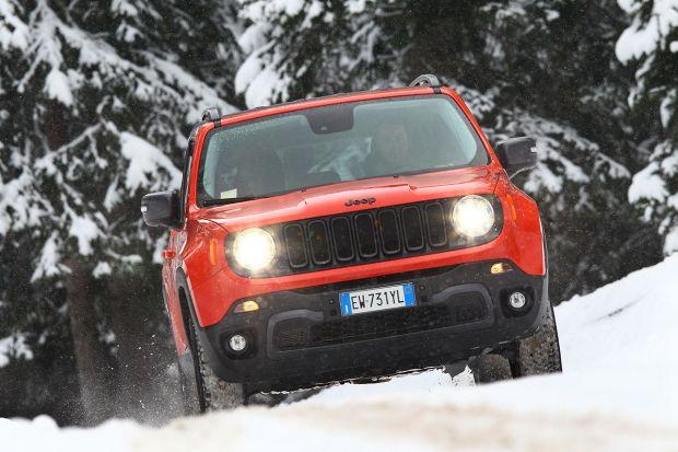 Jeep estrena 2017 ofreciendo a sus clientes la posibilidad de ser los primeros en adquirir el nuevo Compass y disfrutar hasta su entrega de un Renegade equivalente