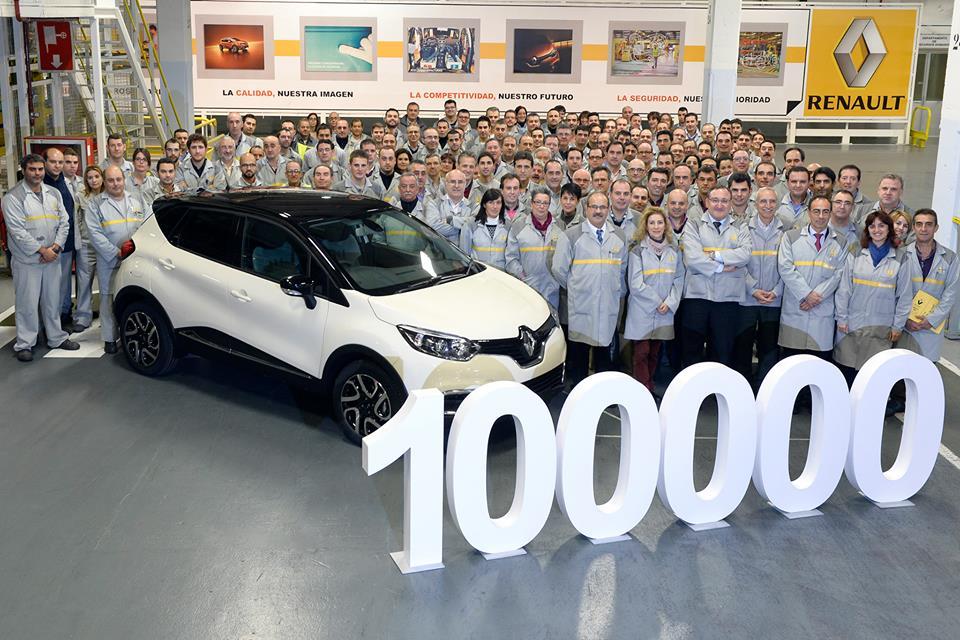 ¡Queremos felicitar a los compañeros de Valladolid por ése Renault Captur número 100.000 que fabricaron la semana pasada!