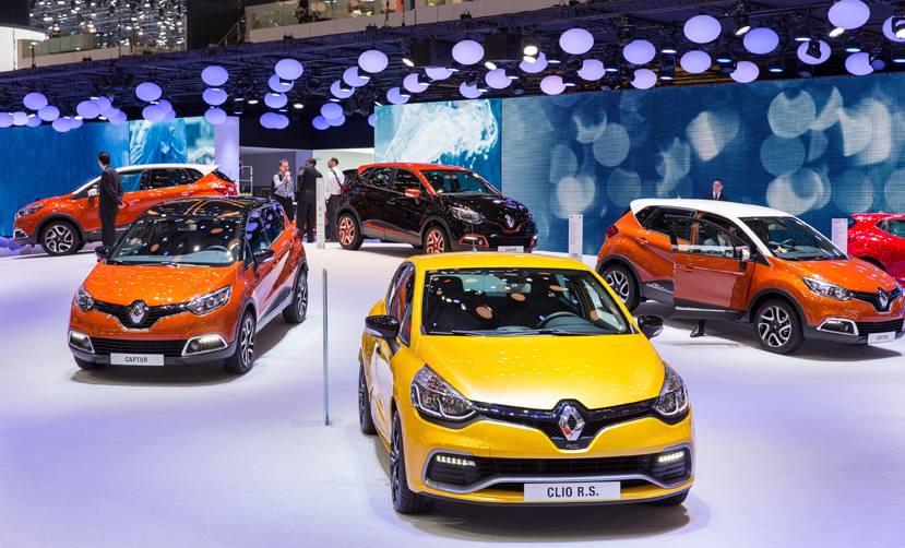 ¡Ayúdanos a llevar al nuevo Renautl Clio RS y al nuevo Renault Captur a lo más alto!